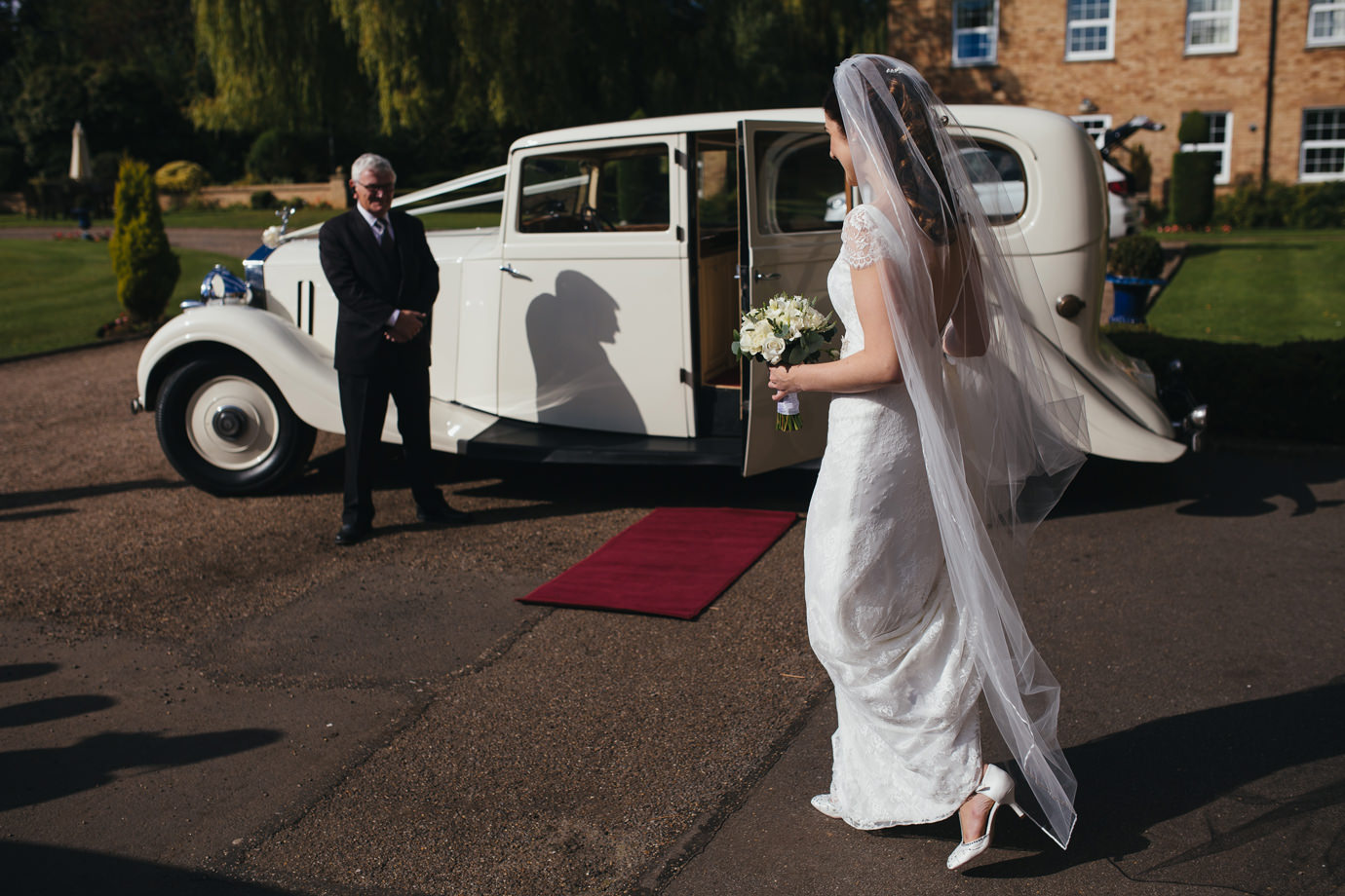 To the wedding car!